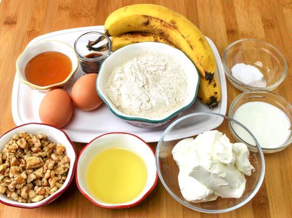 Cream Cheese Swirl Banana Bread