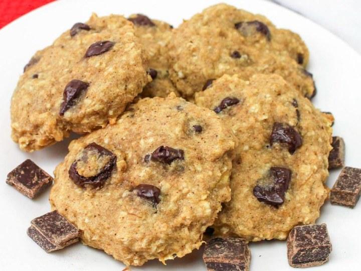 Banana Oatmeal Cookies with Chocolate Chunks
