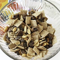 Crunchy Light Summer Season Cinnamon Trail Mix
