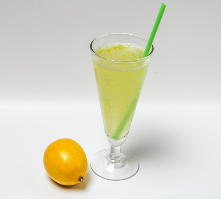 Meyer Lemon Sparkling Water Beverage with a Little Honey