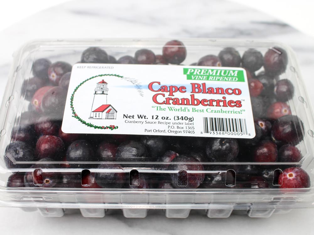 Tangy and Refreshing Raw Cranberry Relish