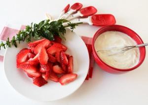 Honey Yogurt with Strawberries, Pecans and Chocolate