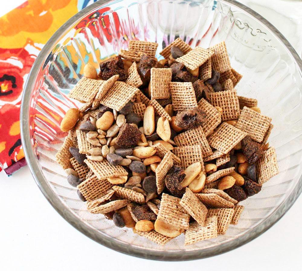 Crunchy Light Summer Season Cinnamon Trail Mix
