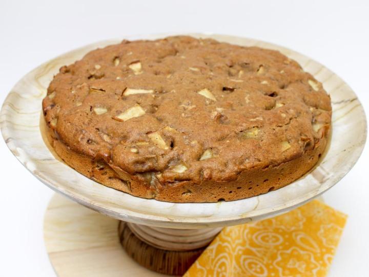 Easy Chunky Apple Cake with Cinnamon and Walnuts